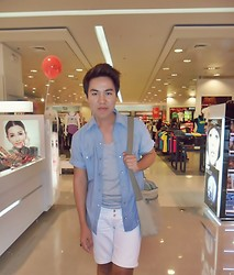 Jhun Iduria - Mr. Lee Blue Shirt, Bench Gray Shirt, Levi's® White Shorts - Live while we're young!