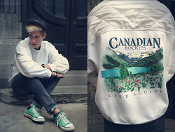 Zoli Szoke - Vans Fulcap, Vintage Sweater, H&M Trousers, Converse Shoes - Canadian Rockies