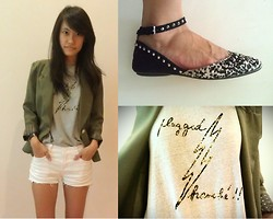 Clara . - Zara Shoes, Roxy Shorts, Agnès B Guy's Tee - Plugged.
