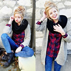 Nesairah Nesstyle - House.Pl Sweater, Schaffashoes.Pl Shoes - Time to smile!
