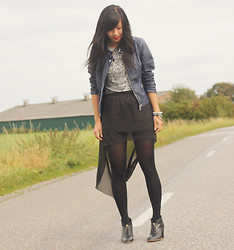 Josephine C - Vero Moda Jacket, Outfitters Nation Top, Ebay Skirt, Tommy Hilfiger Shoes - On the road