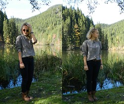 Diana Vioget - Primark Checked Shirt, Vans Round Glasses, Deichman Vintage Brown Boots - LAKE.