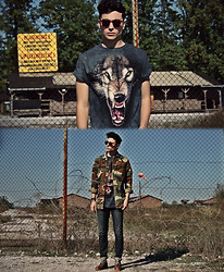 Vladan Gavric - Big Face T Shirts Wolf Print T Shirt, Trifted Camo Jacket, Yokiono Jeans, Gram Store Shoe - This soldier only fights for love