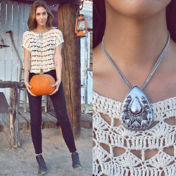 Rae Shoemaker - Thrifted Crochet Top, Vanessa Mooney The Empress Necklace, Taylor Jacobson + Kasil Jeans, Urban Outfitters Chelsea Boot - Hey pumpkin...