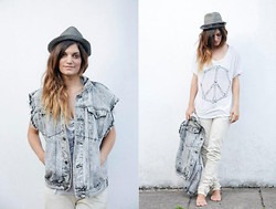 Emilie Layla Lovaine - Topshop Bones, Vintage Cut Off Denim, O'neill Straw Hat, All Saints Denim - Who needs shoes