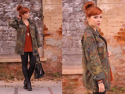 Magdalena R. - Second Hand Jacket - Camo jacket & Leather pants