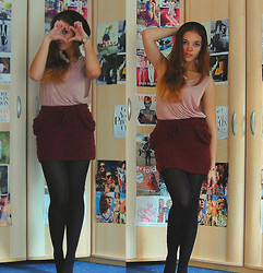 Selina Ra - Primark Skirt, Pull & Bear Top - Feathers in rose