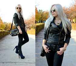 Anna Krukowska - Ramones, Black Bag, Lee Jeans - Black