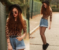 E V - Oasap Leopard Print Top, Oversized High Waist Shorts, Creepers - I WAS SINKING BUT NOW I'M SUNK