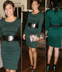 Christine Dior (Discover Fashion Author) - H&M Fitted Jersey, Queen Heeled Shoes - Dark-green Fitted Jersey Dress