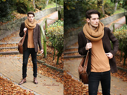 ChriS F. - Mexx Jacket, Friis & Company Scarf, Weekday Shirt, Cheap Monday Black Jeans - Brown Rose Dying