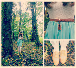 Hannah F - Jasmine London White Lace And Mint Dress, Balmain Vintage Bag, Mango Brogues, Tassle Belt, Floral Headband - How the notes all bend and reach above the trees...