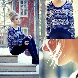 Petra Karlsson - Sweater, Shoes - Snow