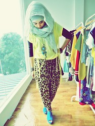 Aimi Baharin - Topshop Leopard, H&M Top, Cotton On Heels, Ts Necklace - Did u or Did u Not