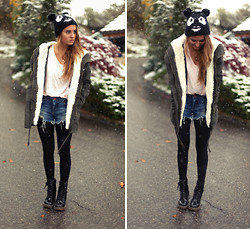 Jessica Christ - Beanie, Doc Marten Look A Like, Mango Military Parka, Nowistyle Leggings - Locked out of Heaven