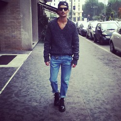 Andrea Bressani - Dolce & Gabbana Sweater, Levi's® Vintage Jeans, Prada Shoes, Ray Ban Sunglasses - The 90's make a comeback