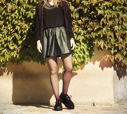 M∆non . - Zara Top, H&M Skirt, Underground Creepers, H&M Jacket - She comes and she goes in the war of the roses.