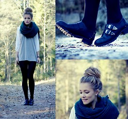 Petra Karlsson - T Shirt, Shoes, Monki Scarf - Big green scarf
