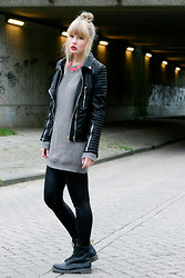 Joni Talsma - H&M Necklace, Primark Leather Look Legging, Dr. Martens Boots - Here come the punks