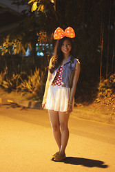 Andrea Ferma - Bow Headband, Denim Vest, Bustier, Shorts, Oxfords - Minnie Mouse