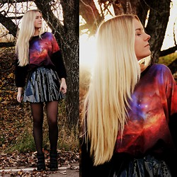 Fanny Staaf - Romwe Sweater, Gina Tricot Skirt, Icu Sneakers - HAPPY HALLOWEEN