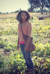 Justina S. - Society Of Chic Sweater, Aeropostale Cami, Levi's® Jeans, Vintaage Tote, Ariat Probaby - Justina, Queen Of The Pumpkin Patch