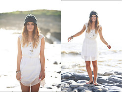 Emilie Layla Lovaine - Quiksilver White Dress, Boyfriends Beanie Hat - Grey matter