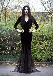 Olivia Emily - Diy Fishtail Velvet And Lace Dres, Ebay Wig - Morticia.