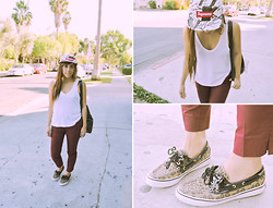 Yuka I. - Alexander Wang Tank, Vintage Backpack, H&M Trousers, Supreme Hat, Sperry Leopard Topsiders - Strolling on melrose