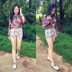 Lynette J. - Zara Floral Button Up Shirt, Zara Floral High Waisted Shorts, Brogue, Floral Ring - I See FLowers Wherever I Go