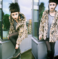 Jerina Laaksonen - H&M Fauxfur, Underground Boots, 2:Nd Hand Top - DIRTY SHOES AND A LEO