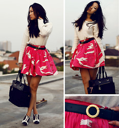 Michelle Koesnadi - Moschino Shoes, Chanel Bag, Robert Rodriguez Skirt, Zara Sweater, Céline Belt (Vintage) - VINTAGE CELINE