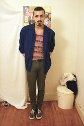 Rui Braga - Vintage Jacket, Zara Boyfriend's Sweater, Vans Tenis, Zara Jeans - Would you look a monster in the eye?