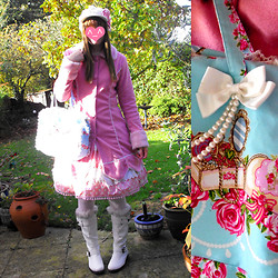 Jenny Cakes - Gothic Lolita&Punk Pink Lolita Coat, Tacky Shop In Stevenage White Fluffy Boots, Bodyline Blue Jewelry Bag, Tokyo Royale Pink Floral Skirt, Carboot Fair 50p Cream Knitted Hat With Pink Hairclip - Winter Princess