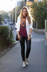 Sandra Bendre - My Boyfriend Tshirt, Zara Leather Pants - Leather and burgundy