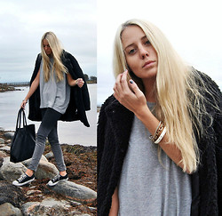 Kajsa Svensson - Vila Pants, Marc By Jacobs Bracelet, Pieces Bag - Back to reality