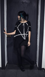 Monica C. - H&M Oversize, T.U.K. Creepers, Black Tights, Directioner Turquoise Hair - Turquoise is the new Black.