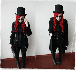 Kitsune Miyabi - Camden Lock Top Hat, Gift Sunglasses, Ebay Vest, Gift Jabbot, Bodylane Ega Shirt, New Yorker Coat, Guess? Black Pants, Condemned Nation Boots - The children of the night, what sweet music they make...