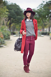 Valentine Hello - Morgan Burgundy Hat, United Colors Of Benetton Grey Sweater, Baruckello Peter Pan Collar White Shirt, Zara Red Winter Coat, New Look High Waisted Jeans, Patricia Blanchet Burguny Boots, Alexander Wang Diego Bucket Bag - Le rouge