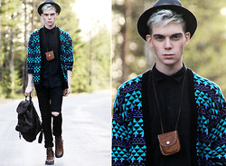 Robbie Jonsson - Secondhand Cardigan, Weekday Shirt, Diy / H&M Ripped Jeans, Scorett Boots, Grandma's Leather Backpack, Secondhand Leather Pouch, Grandgrandgrad Dad's Hat - Steal a kiss, you'll break a heart