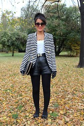 Danivilly Carvalho -  - Striped blazer!
