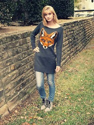 Sarah Bosserman - Target Fox Sweater, Levies Skinny Jeans, Mellow Yello Grey Combat Boots - FANTASTIC MRS. FOX