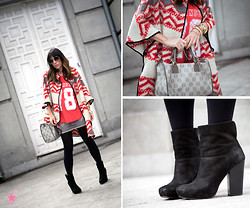 Barbara Crespo - Zara Poncho, Loewe Bag, Zara Tshirt, Moca Couture Denim Mini, Pura López Ankle Boots, Mango Sunglasses - Grey and red navajo.