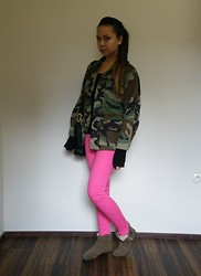 Angelina Sunshine - Military Jacket, Zara Sweater, H&M Pink Jeans, Vintage Bag, Topshop Anke Boots - We Are In The Army Now