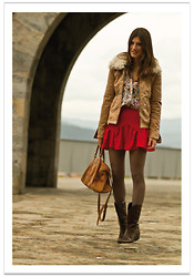 Belén @balamoda - Zara Jacket, Sheinside Skirt, Andre Boots, Ikks Bag - Red in Autumn