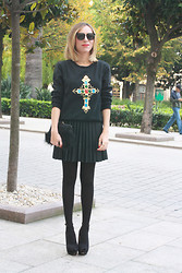 Outfitdeluxe Outfitdeluxe - Pop Couture Sweatshirt - Baroque Cross!