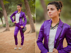 Ekta Sheoran - Pant Suit, Accessorize Sling Bag, Charles & Keith Pumps, Beaded Leaf Necklace - Return of the Pant Suit!