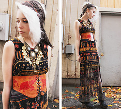 Kat W. - Geek Usa Vintage 90s African Print Dress, Tunnel Vision Leather Elephant Belt, Sam Edelman Wickley Studded Clogs, Birthday Gift Belly Dancing Necklace, Faneuil Hall, Boston Tie Dyed Scarf - Longing for some solitary company