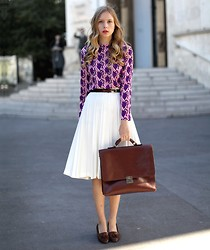 Marie Jensen - Second Hand Blouse, Skirt, Shoes, Hand Me Down Bag - Medusa