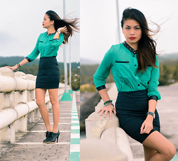 Happy Abbey - Leather Green Top, Black Bandage Skirt, Accessories - Green Leather Top